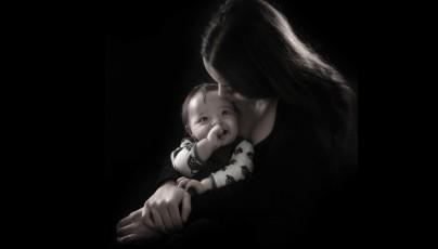 fotograf-christina-damgaard-portraet-mor-barn-maria-calvin-sh-e1401792454643