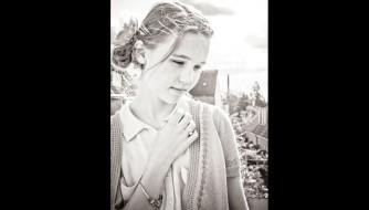 fotograf-christina-damgaard-ung-pige-model-simone-konfirmand-e1401792916465