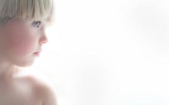 fotograf-christinadamgaard_rasmus-high-key-e1401792417360
