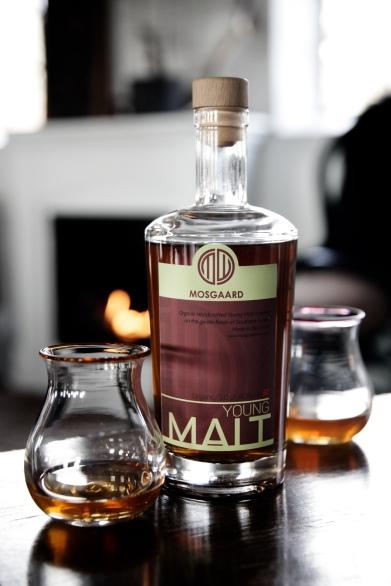 mosgaard_whisky_pejs